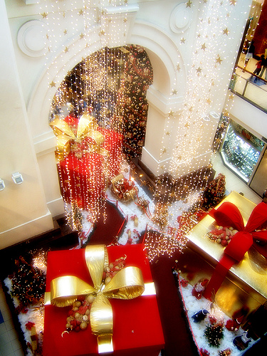 'Tis the Season . . . for Shopping by Vince Alongi from Flickr