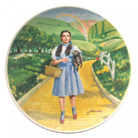 This is a picture of the plate that was actually made that is remarkably similar to Gracen's painting