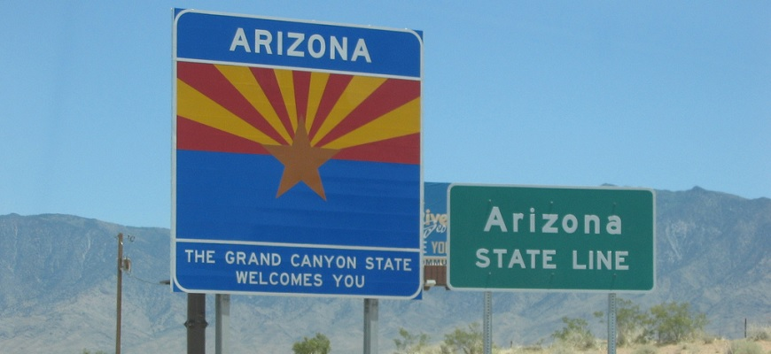 Arizona - The Grand Canyon State Welcomes You by Peter Zillmann from Flickr (Creative Commons License)